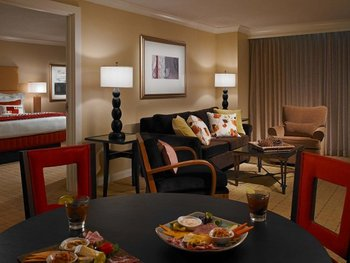 Suite at The Chattanoogan.