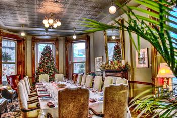Holiday dining at Idlewyld Inn.