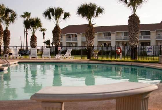 Outdoor pool at Kontiki Beach Resort Condos.