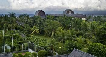 Exterior view of Jayakarta Lombok.