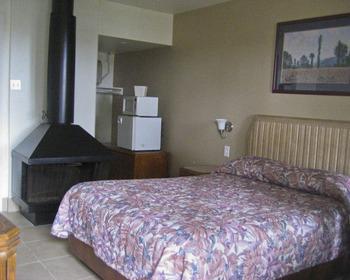 Guest room at Capistrano Seaside Inn.