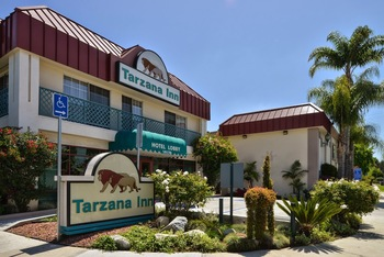 Exterior view of Tarzana Inn.