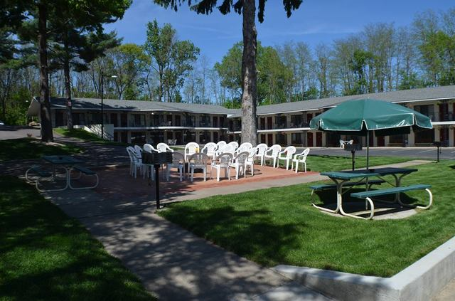 Ambers hideaway wisconsin dells wi resort reviews for Cheap cabins in wisconsin dells