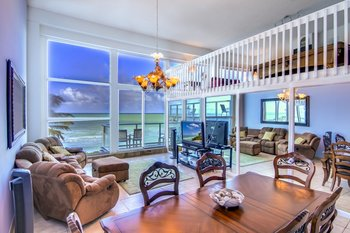 Vacation rental interior at MiaVac.