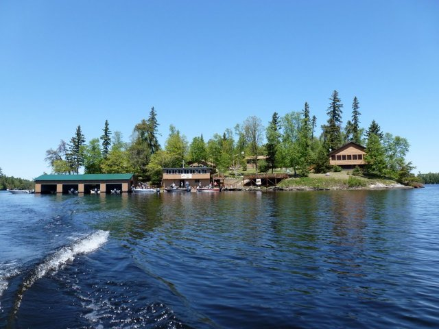 Shady roost lodge nestor falls ontario resort reviews for Lake of the woods fishing lodges