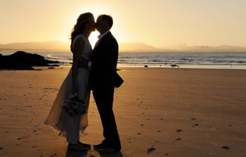 Romantic Weddings at Driftwood Shores Resort