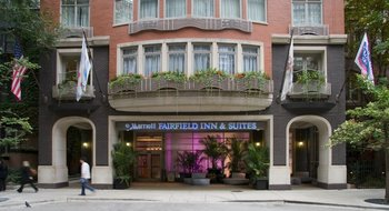 Exterior View of Fairfield Inn & Suites Chicago Downtown/Magnificent Mile Hotel