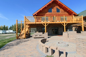 Exterior view at Zippel Bay Resort.