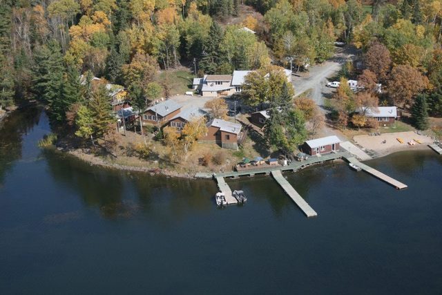 Indianhead lodge sioux narrows ontario resort reviews for Lake of the woods fishing resorts