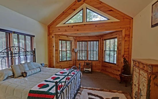Blue ridge vacation rentals cabin beautiful 6 bedroom for 8 bedroom cabins in blue ridge ga