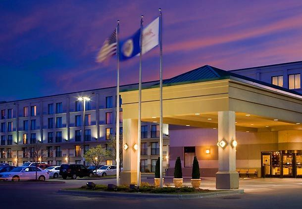Exterior view of Minneapolis Airport Marriott.