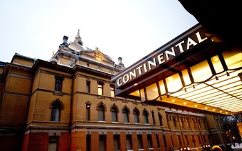 Exterior view of Hotel Continental.