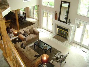 Vacation rental living room at Your Lake Vacation/Al Elam Property Management.