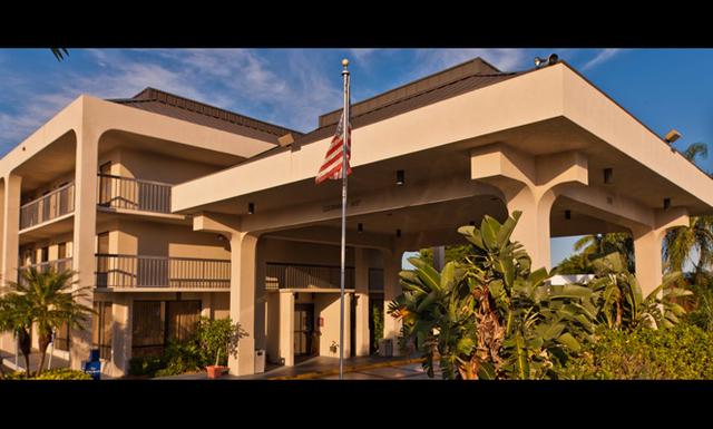 Island hospitality management palm beach fl resort for 1662 salon east fort lauderdale