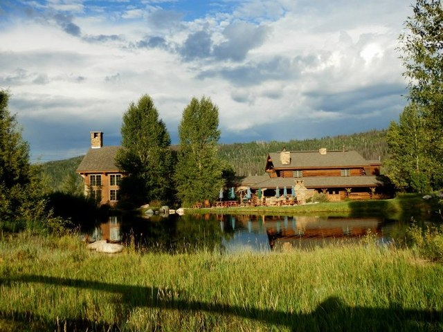 Exterior view of Vista Verde Ranch.