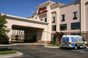 Exterior view of Hampton Inn & Suites.