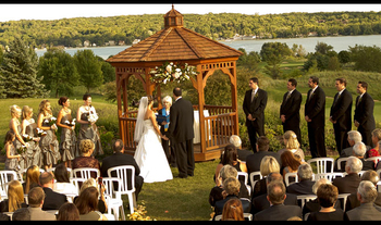 Outdoor wedding at Inns of Geneva National.