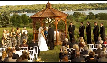 Outdoor wedding at Inns of Geneva National.