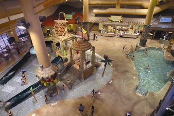 Indoor waterpark at Arrowwood Resort.
