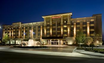 Exterior view of Sheraton St. Paul Woodbury Hotel.