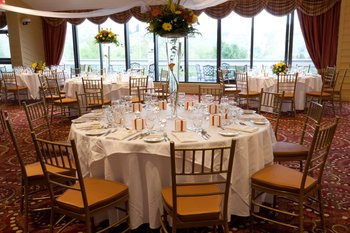 Wedding tables at Villa Roma Resort.