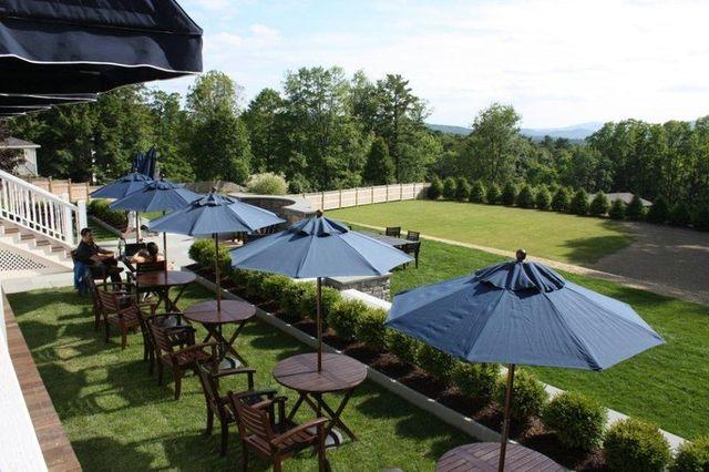 Kemble Inn Lenox Ma Resort Reviews Resortsandlodges Com