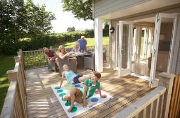 Natural Retreats Trewhiddle: spacious & luxurious residences with outdoor patios.
