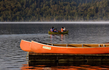 Outdoor lake activities at Killarney Lodge.