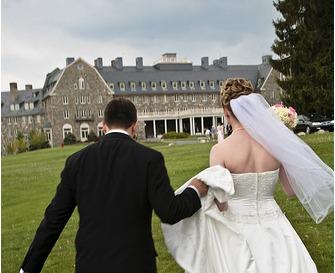 Wedding couple at Skytop Lodge.