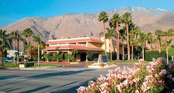 Exterior view of Shilo Inn-Palm Springs.