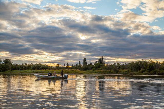 Alaska romantic resorts for Alaska luxury fishing lodges