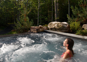 Outdoor whirlpool near Woodloch Resort.