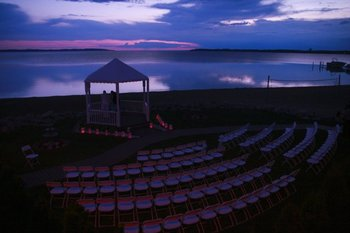 Outdoor wedding at ParkShore Resort.