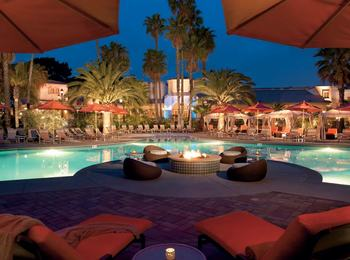 Outdoor pool at Hilton San Diego Resort & Spa.