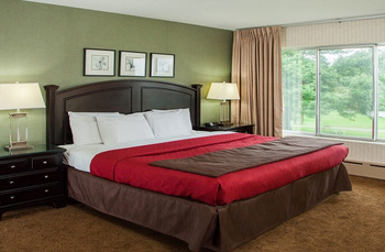 Guest bedroom at Evergreen Resort.