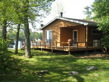 Cabin at Voyageur Park Lodge.