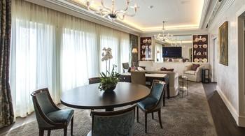 Guest room at Hotel Hessischer Hof.