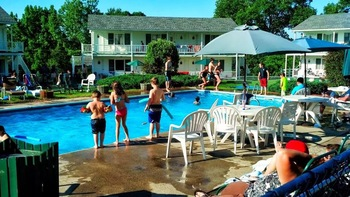 Outdoor pool at Gavin's Irish Country Inn.