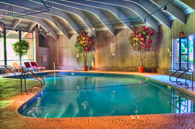 Indoor pool at Ascend Hotel Collection-The Woodlands Inn.