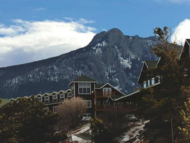 Exterior view of Marys Lake Vacation Condos.