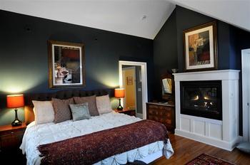 Juniper room at Buttermilk Falls Inn & Spa.
