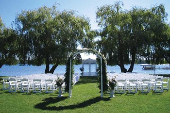 Outdoor Wedding at Cragun's Resort