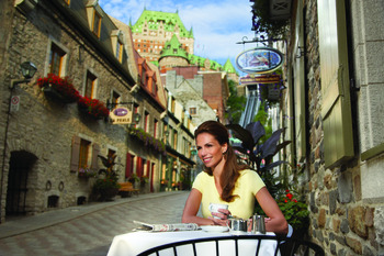 Cafe dining near Fairmont Le Chateau Frontenac.