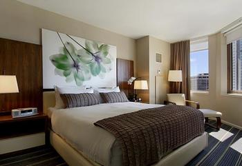 Guest room at The Fairmont Chicago.