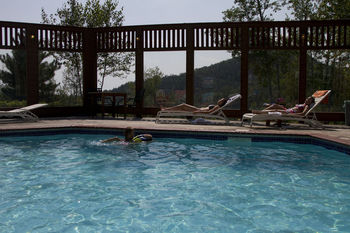 Outdoor pool at Eagle Ridge at Lutsen Mountain.