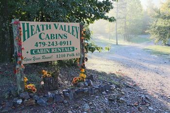 Exterior view Heath Valley Cabins.