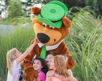 Family at Yogi Bear's Jellystone Park Gardiner.