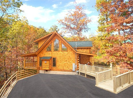 Sevierville vacation rentals cabin belle of the south for Large cabin rentals in tennessee