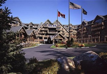 Exterior view of Stowe Mountain Lodge.