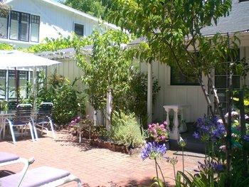 Exterior view of Victorian Garden Inn B & B.
